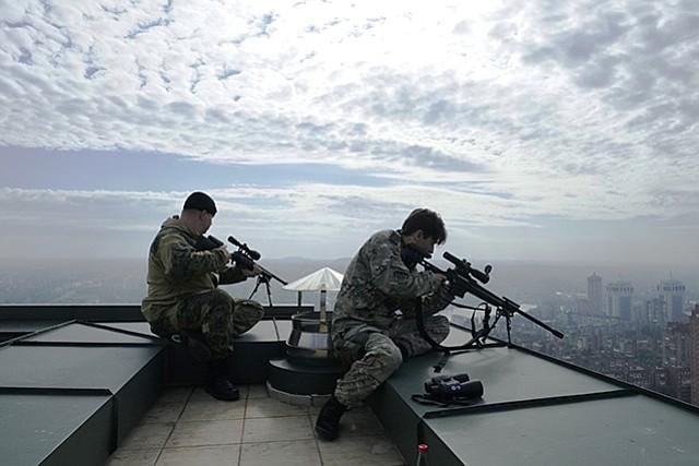A_Snipers_War_t958