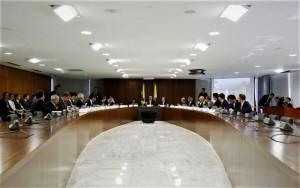 Reunião dos Ministros com Bolsonaro - sem segundo escalão nomeado... (foto Marcos Corrêa/PR)