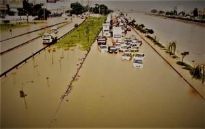 Marginal do Rio Tietê... 10 de fevereiro de 2020 (mas poderia ser de décadas atrás... ou para frente)
