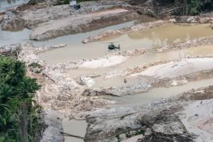 Operação do Ibama contra o garimpo ilegal em terras Munduruku - foto: V.Mendonça/IBAMA
